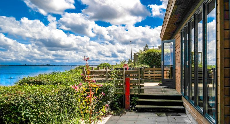 6 pers Lauwersmeer waterfront, Full equipped and modern house, vacation rental in Kollumerzwaag