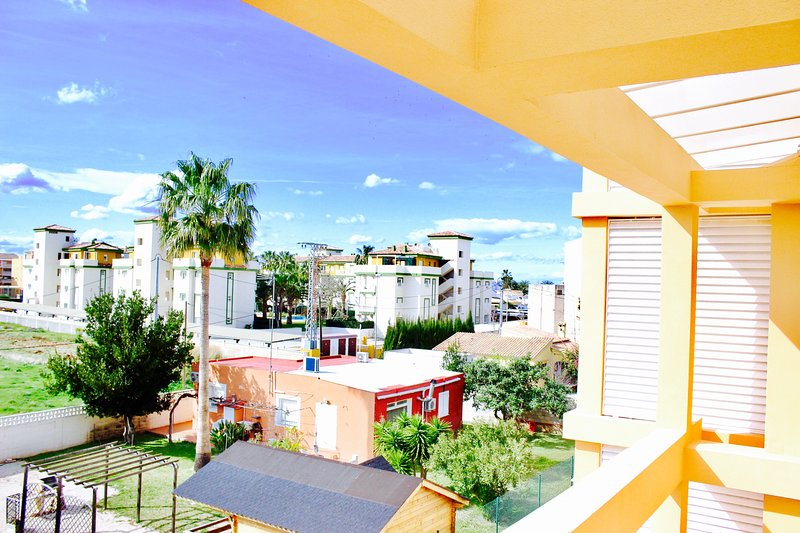 Beautiful apt with shared pool, vacation rental in Els Poblets