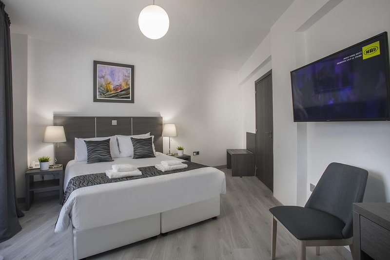 SolMare A01 City center 3bed family apartment, fully renovated and furnished, holiday rental in Larnaca