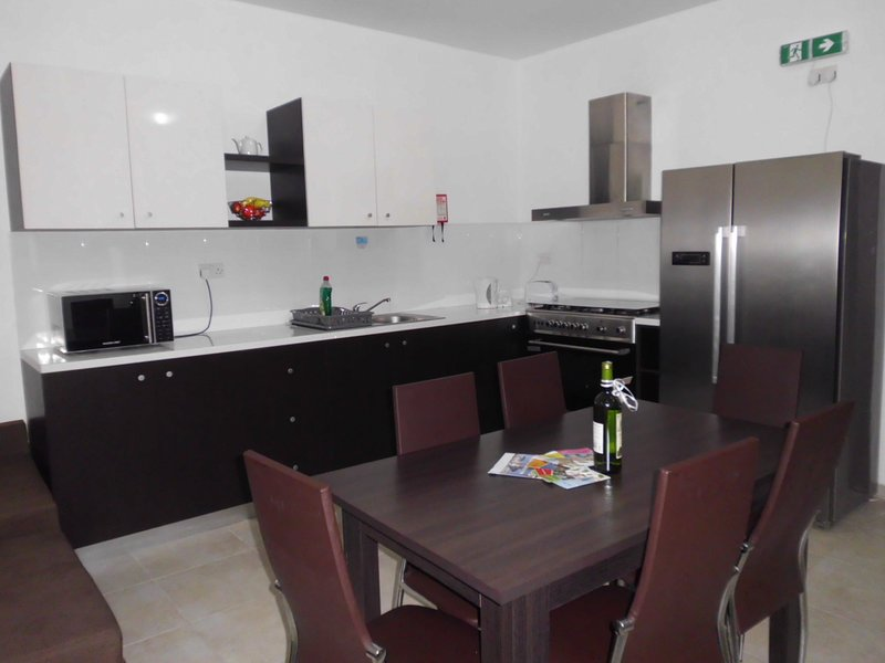 Brand new 3 bedroom apartment in Msida F3, vacation rental in Msida