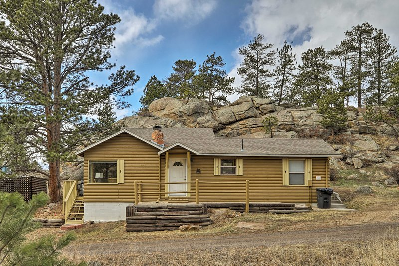 Your ideal Rocky Mountain retreat awaits in Estes Park!