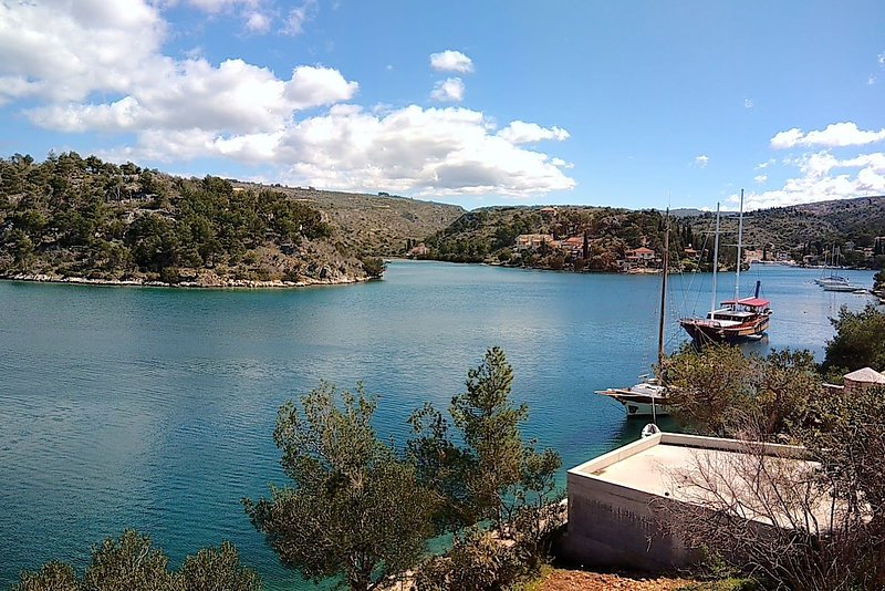 The view from the terrace on Bobovisca bay.