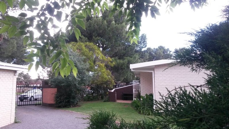 Whittals Chalets Number 3, holiday rental in Aliwal North