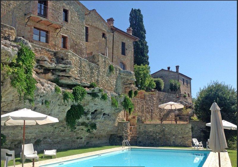 Un'Oasi con piscina tra le terme e le Crete Senesi, location de vacances à Chiusure