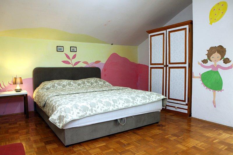 NR1 Two Bedroom Sea View Apartment in Portoroz Bay, holiday rental in Portoroz