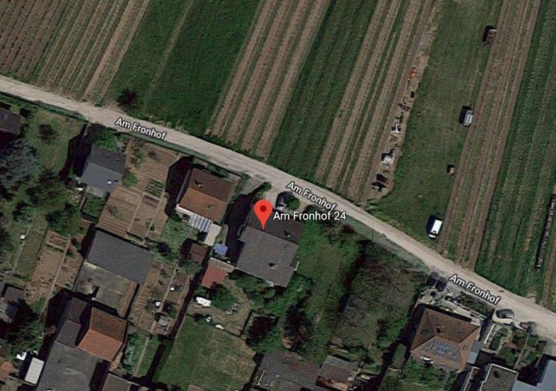 Wohnen direkt am Weinberg. Die Luftaufnahme zeigt es. Parken vorm Haus und starten des Spaziergangs