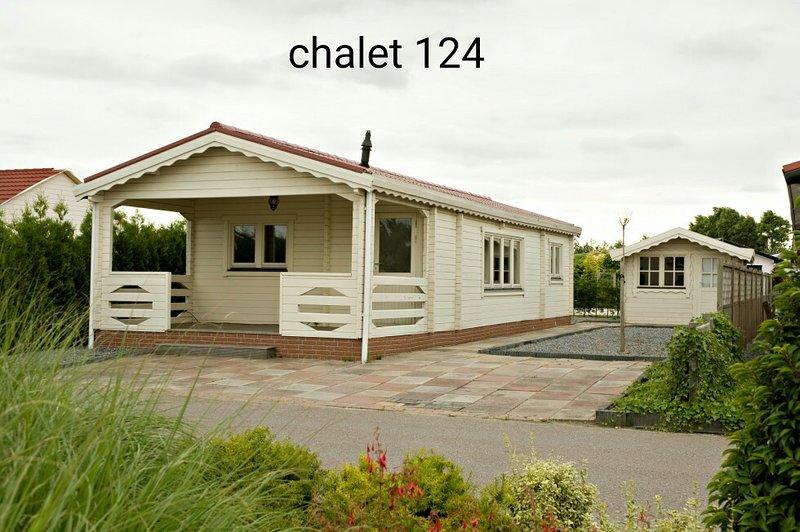 Houten Afscheiding Tuin : Tripadvisor 5 persoons houten chalet vakantiehuis in sint annaland