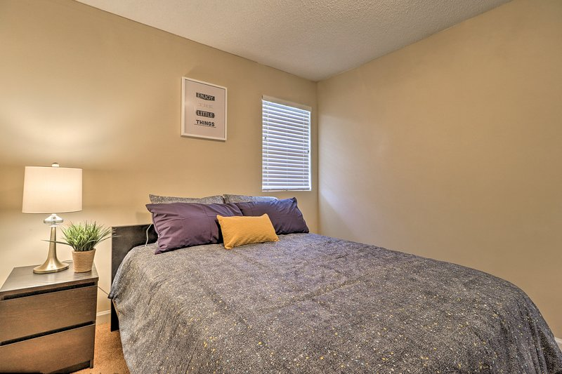 Dream easily in this cozy queen bed for 2.
