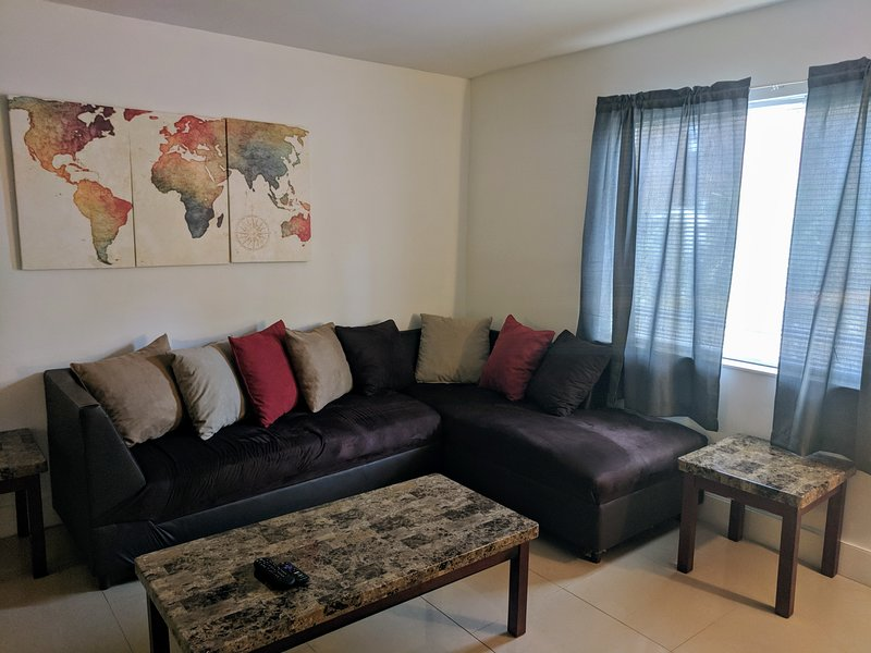#3 Fort Lauderdale: 10 min to Air,Beach,&Cruise Very close to downtown, holiday rental in Lauderhill