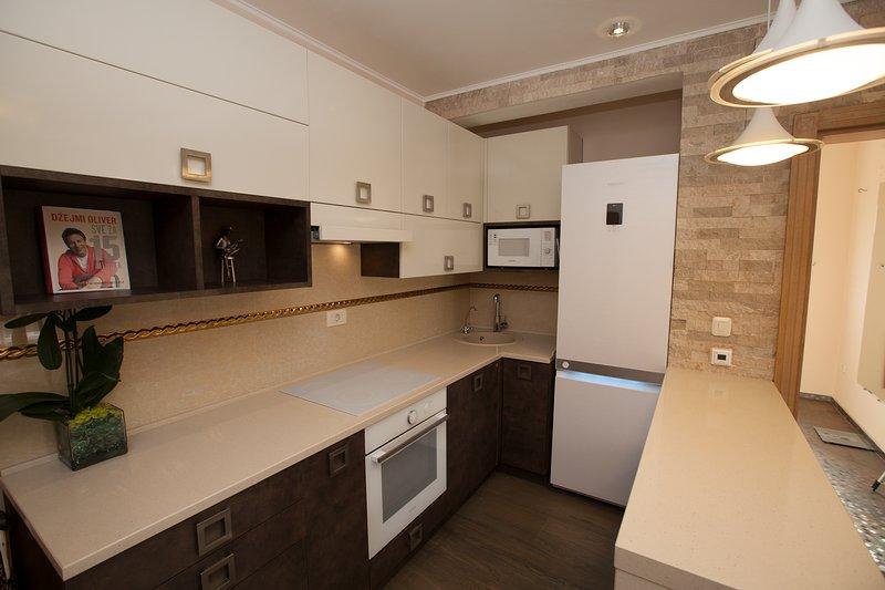 Apartment 100m2 SeaView Deluxe, Ferienwohnung in Bar
