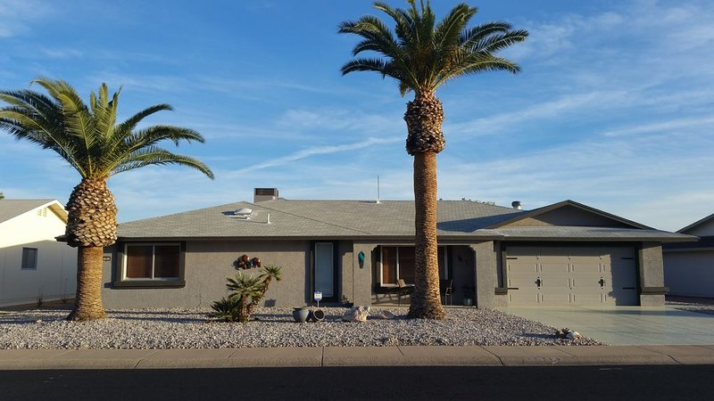 Sonnet Sunshine Retreat - Your Home Base in Sunny Sun City West!, holiday rental in Sun City West