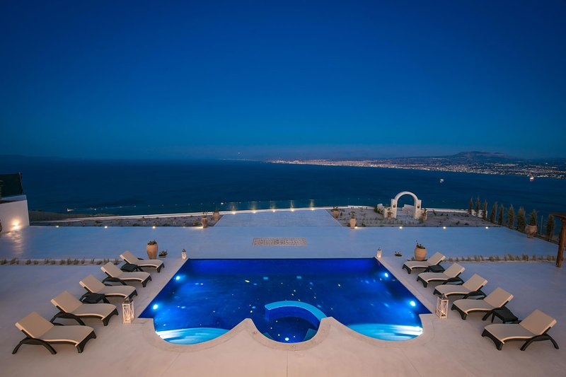 Villa Santorini, vacation rental in Agia Pelagia