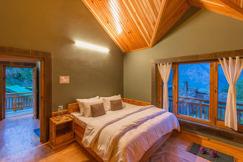 Naggarville Cozy Room, holiday rental in Karjan