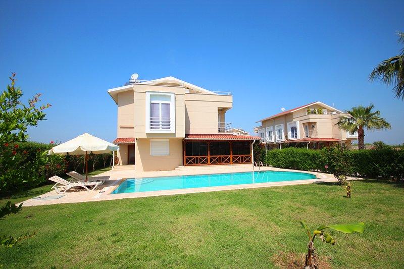 Paradise Town Villa Muna, vacation rental in Kadriye