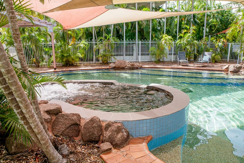 Two Bedroom Ground Floor unit, with private court yard. Quiet complex, Pool in complex. Opposite for