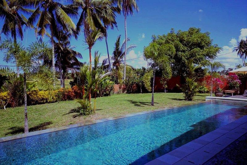2 bedroom villa with pool, holiday rental in Batubulan