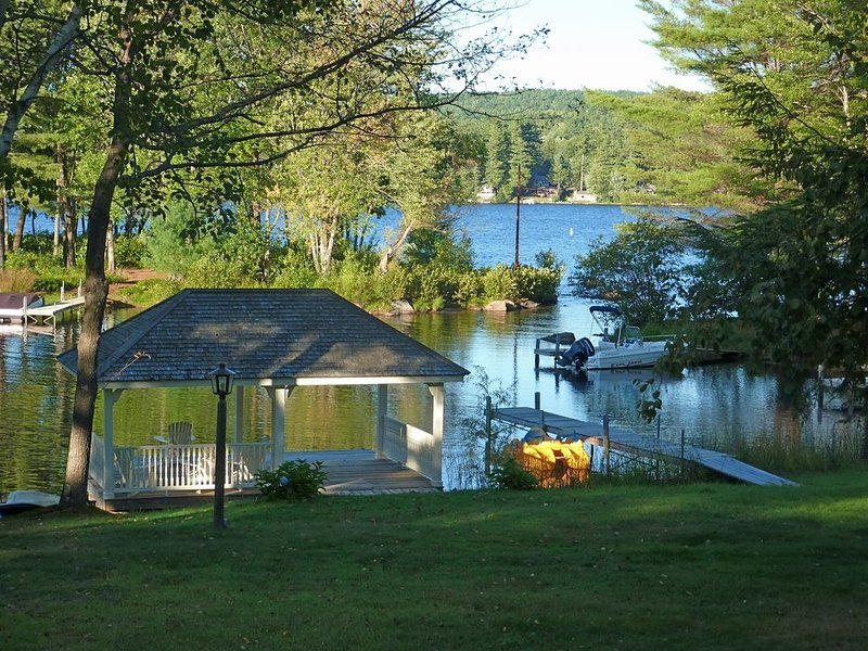 Waterfront on Long Lake, Bridgton, Dock, Tennis Court, Gazebo, Kayak, Canoe, vacation rental in Harrison