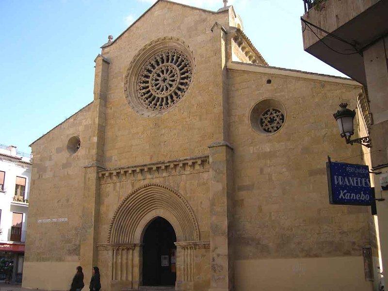 Church of San Miguel, in the apartment door