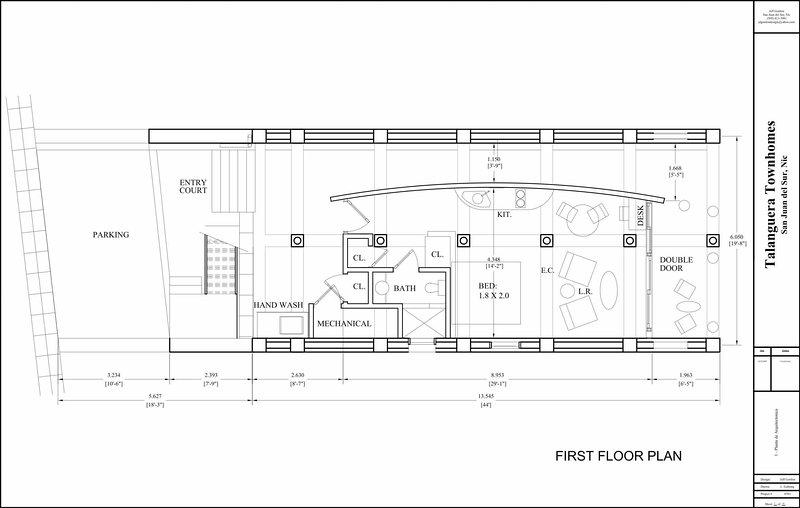 Diseño y las dimensiones del apartamento Este se forma la imagen de espejo