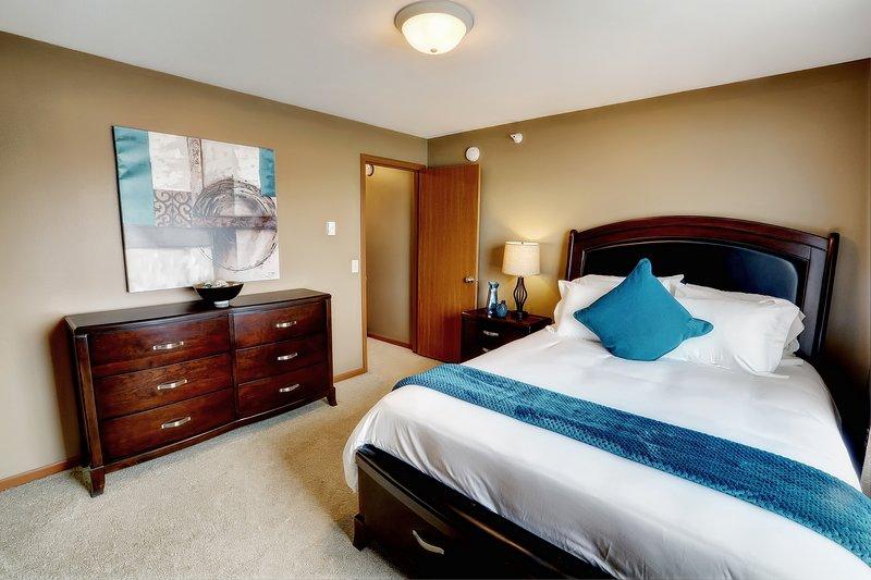 Você vai adorar nossos quartos confortáveis com armários walk-in e sobre-colchões
