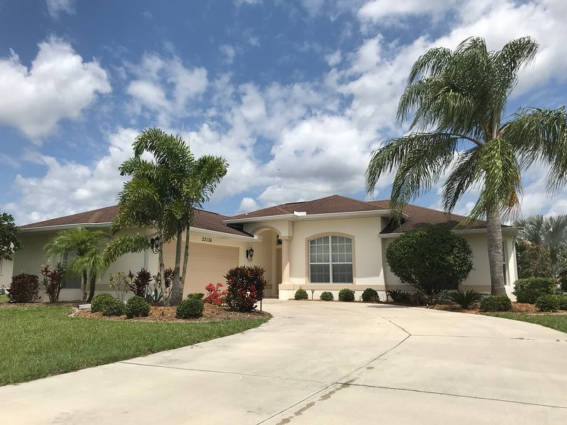 Beautiful 3 bedroom home in Southwest Florida, alquiler de vacaciones en Port Charlotte