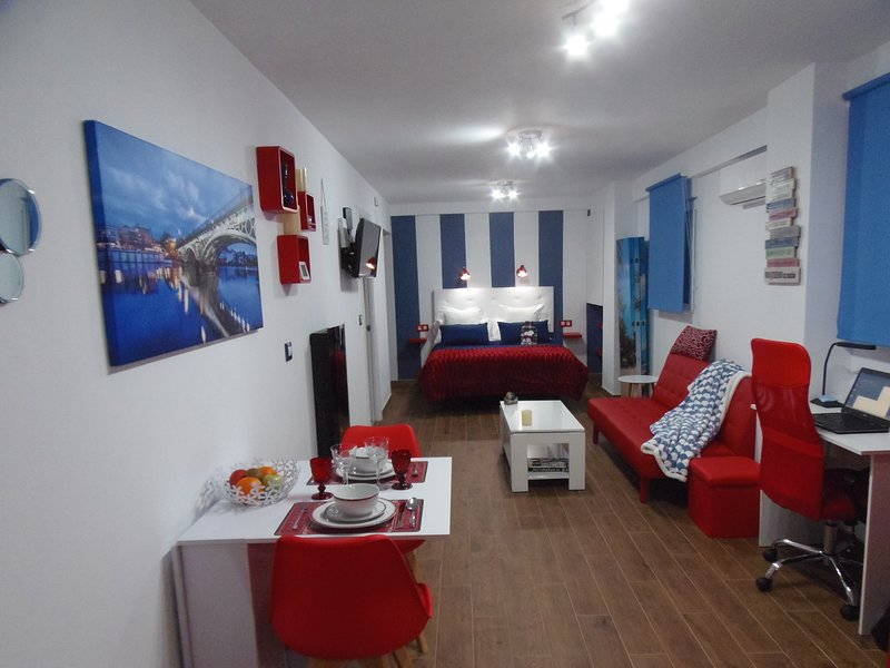 Precioso estudio en Triana, vacation rental in Seville