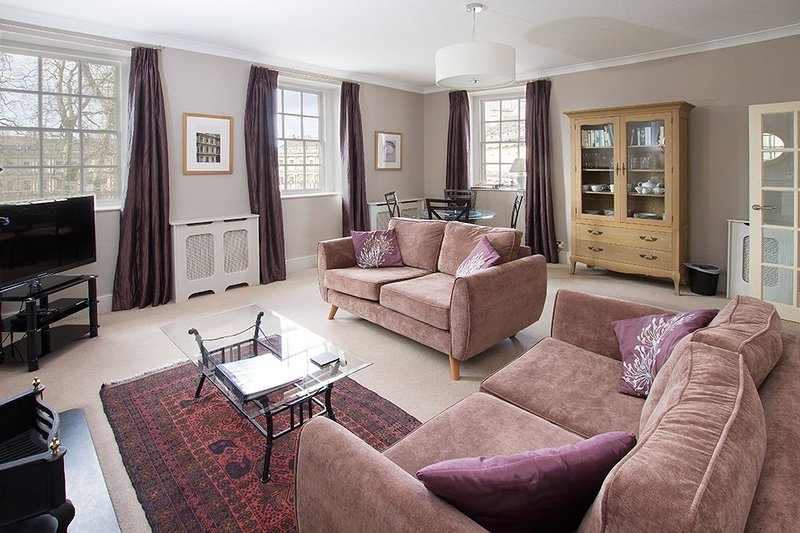 Circus House Apartment, holiday rental in Bath