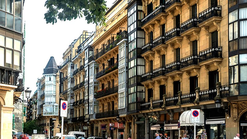 Facade of the apartment. Located in the so-called Area Romantica 1900