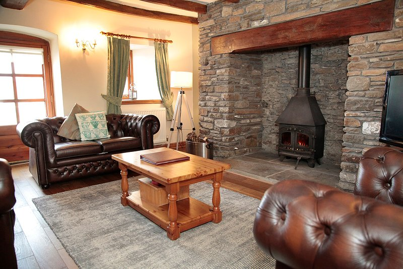Cilhendre Fawr Farm Cottages, holiday rental in Swansea