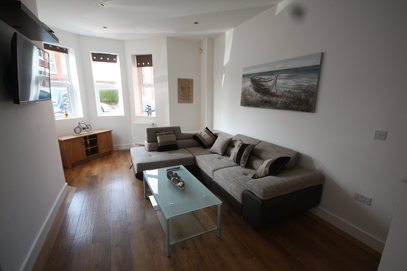 Holiday Home Hot Tub & Sauna, holiday rental in Bournemouth