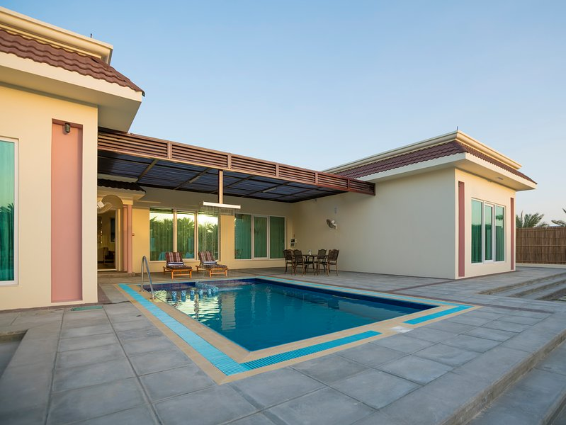 Asahalah Farm Villas, Luxury grand Villa with Private Pool, B Unit, vakantiewoning in Gouvernement Masqat