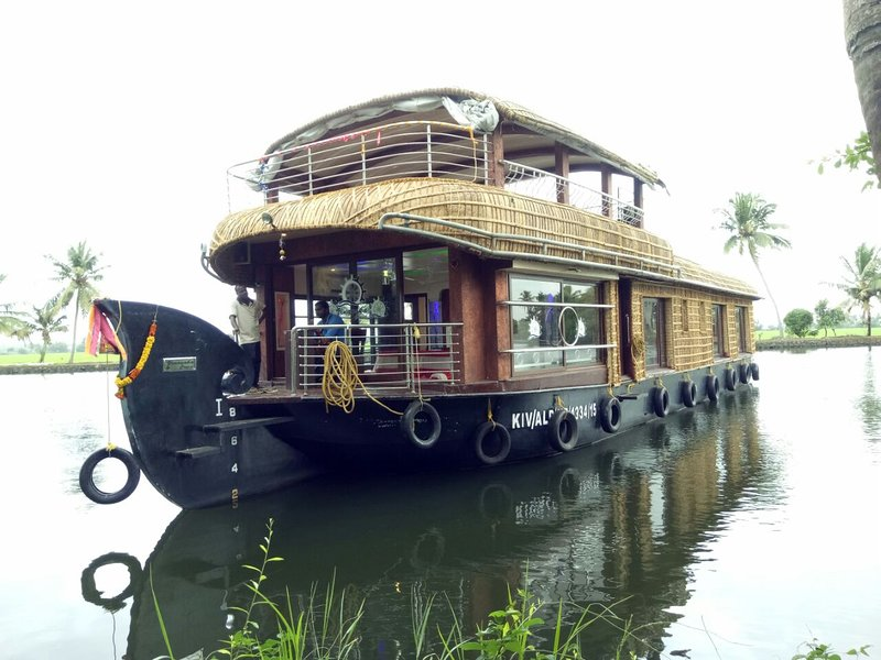 Houseboat Alleppey, vacation rental in Athirappilly
