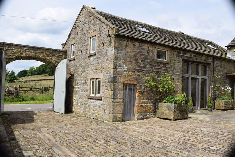 Beautiful barn conversion, in a rural location within The Peak National Park, holiday rental in Peak District National Park