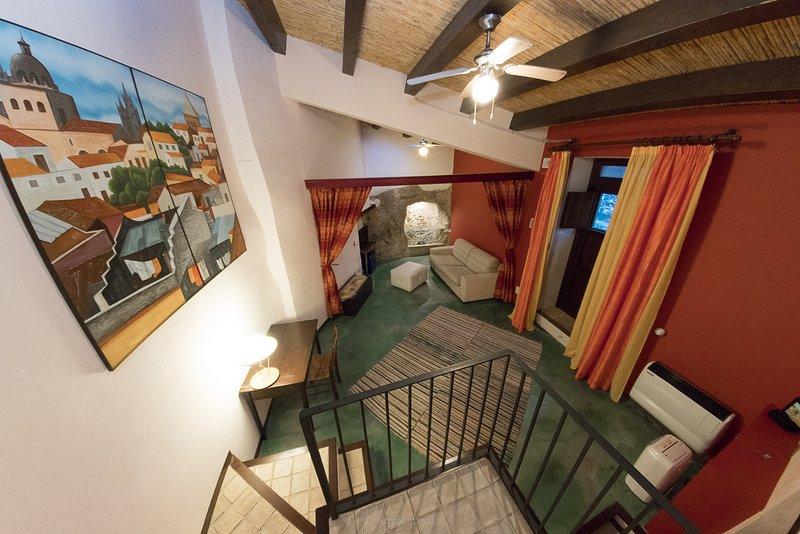Case al Borgo-Agira Centre-Home Relais- Casa Renato Guttuso, holiday rental in Nicosia