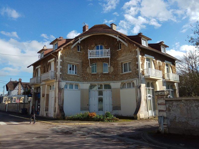 La Sapinière, gîte, location de vacances à Hermanville-sur-Mer, Normandie, Ferienwohnung in Benouville