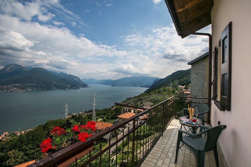 San Siro Town House Sleeps 7 with WiFi - 5841223, holiday rental in Santa Maria di San Siro