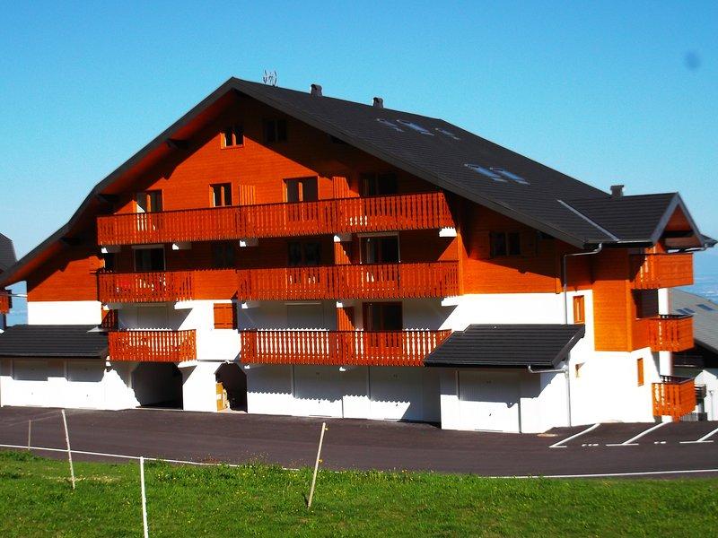Joli T2 spacieux alliant modernité et style savoyard, location de vacances à Thollon-les-Mémises