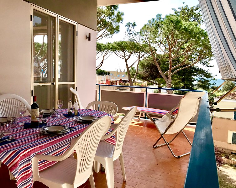Casa Falcone center front beach, 3 bedrooms, 2 baths, 200mt from sea, vacation rental in Terracina