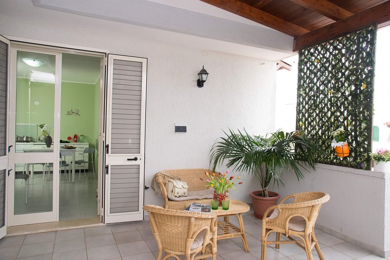 Amazing apartment near the beach, holiday rental in Roca Vecchia