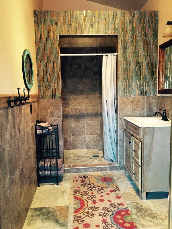 soffioni doccia doppia in entrambi i bagni.