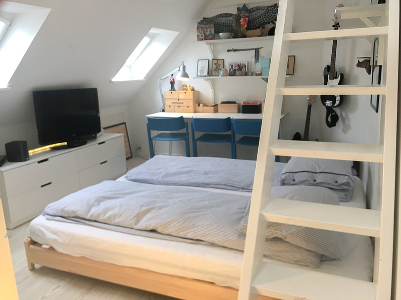 Double queen size bed