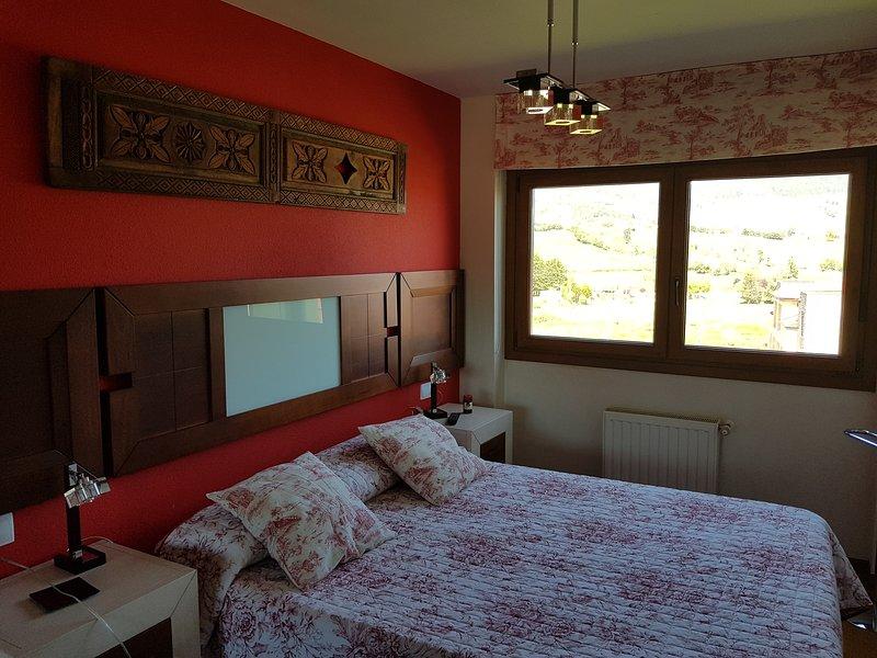 Espectacular apartamento con vistas a la Ría de Villaviciosa., location de vacances à Villaviciosa