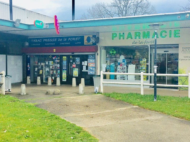 Tobacco and pharmacy is 5 km from the house, situated in the Casino Mall area.