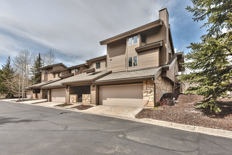Newly Remodeled Deer Valley Lakeside Estate - Lower Deer Valley - Close to Ski - Great Year-round!