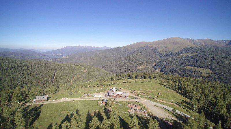 Hiaslhütte - Wanderurlaub mit Traum-Aussicht, Nockberge, Kärnten - Zirbenzimmer, location de vacances à Sirnitz-Sonnseite