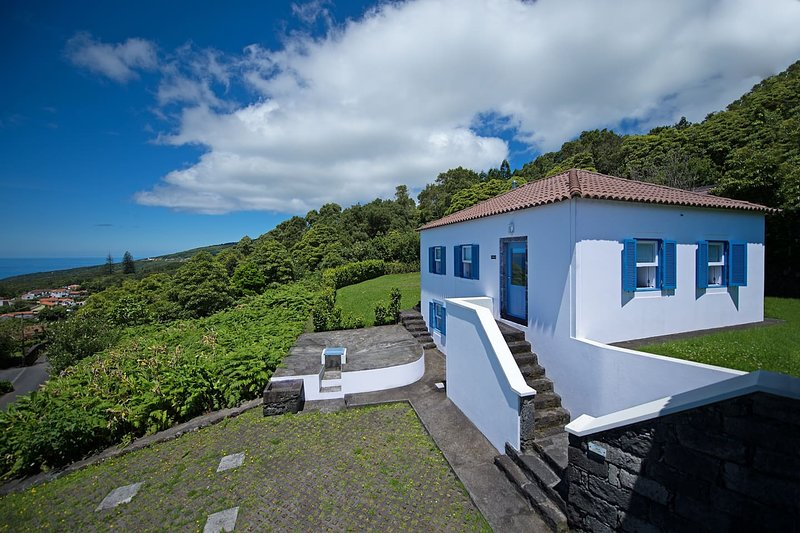Casa da Cisterna - Casas do Capelo, vacation rental in Praia do Norte