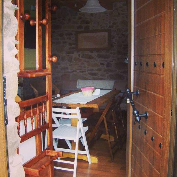 Casa Belarmino. Casa rural en el Bierzo, de tres estrellas. Alquiler íntegro, vacation rental in San Justo de Cabanillas