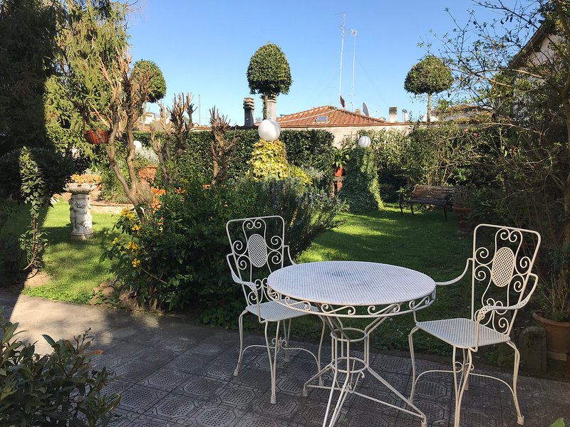 Casa Adriana inside a 14° cent. Villa. Stay in a noble tuscan family's property, holiday rental in Poggio a Caiano