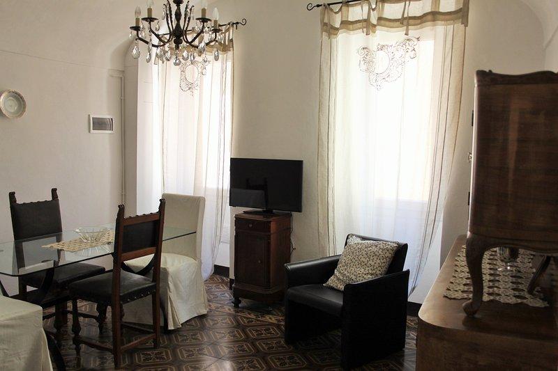 Casa della Nonna - maison de village typiquement ligure, terrasse, à Badalucco, casa vacanza a Agaggio Inferiore