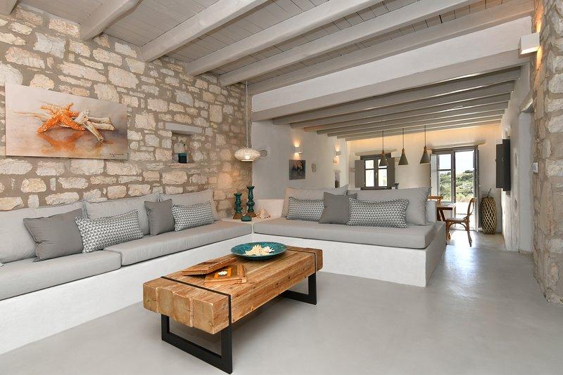 Sand Key Villa 2 - Beautiful cycladic residence at Paros prime location, aluguéis de temporada em Santa Maria